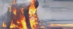 Pakistan, disabile bruciato vivo perché accusato di aver dato fuoco al Corano