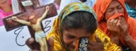 Pakistan: rifiuta di convertirsi all'islam, 18enne cristiana gettata dal 2°piano