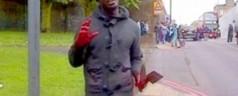 Londra, soldato inglese decapitato in strada al grido: «Allah Akbar»
