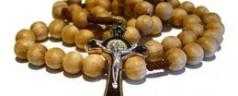 Repubblica prende di mira il rosario