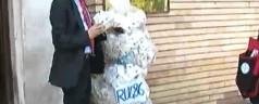 I Radicali consegnano a Balduzzi 2000 scatole di Ru486