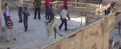 Orrore in Egitto: sostenitori di Morsi scaraventano dei giovani giu' da un palazzo